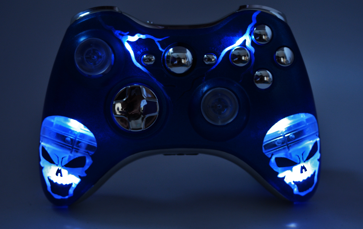 """ILLUMINATING BLUE SKULLS"" XBOX 360 MODDED CONTROLLER ..."